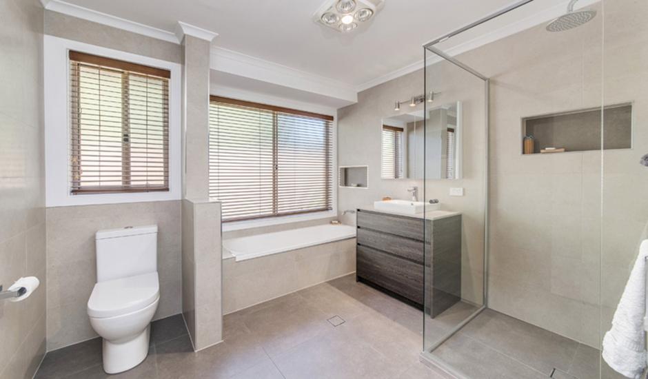 Conder – Bathroom 1 – Bathroom overview_940