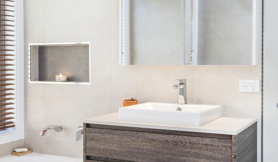 Conder – Bathroom 3 – Recessed shaving cabinet_940