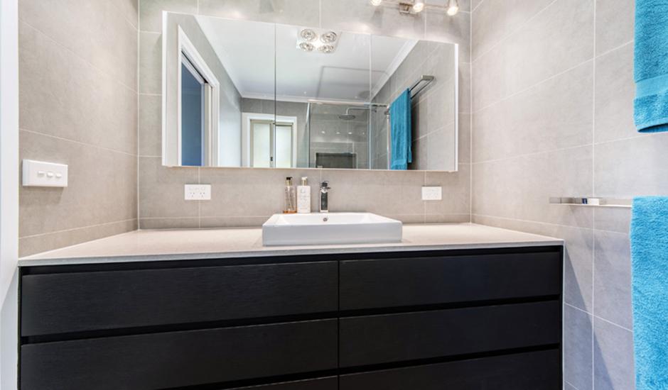 Conder – Ensuite 2 – Wall to wall custom vanity unit_940