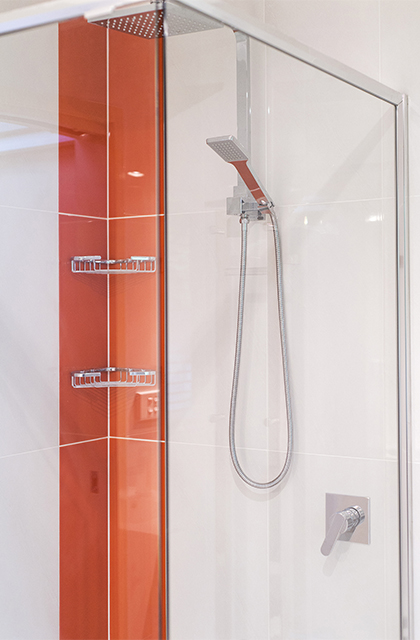 Bathroom 4 – Dual showerhead