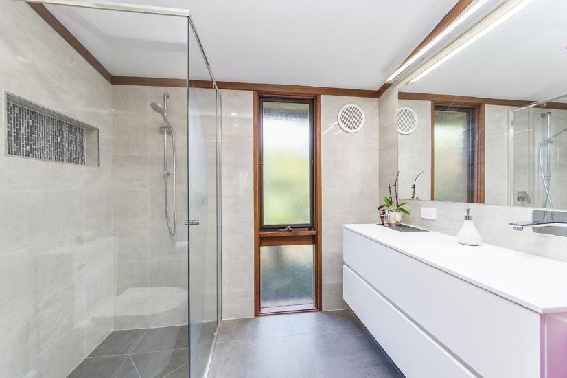 Bathroom 4 – Ensuite Overview