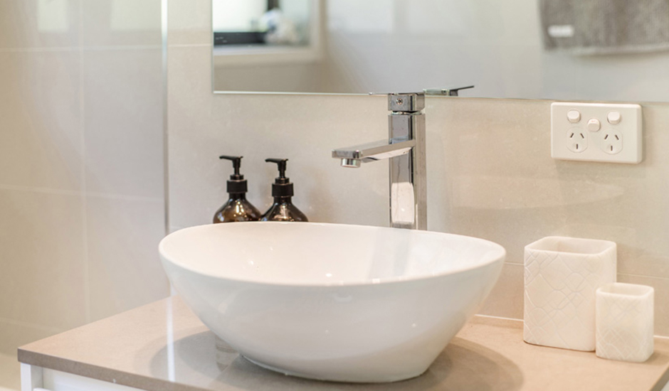 Cook – Bathroom 3 – Beautiful hand basin_940