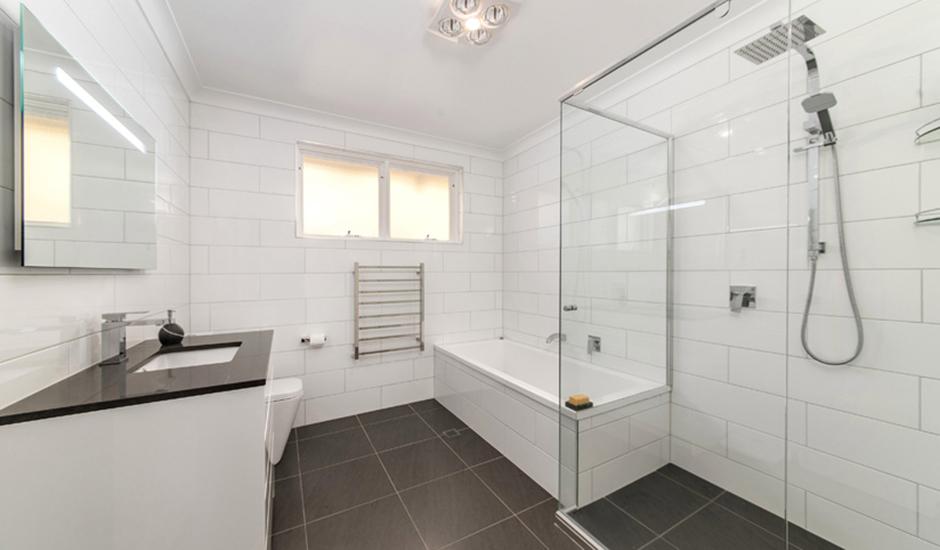 Deakin2 – Bathroom 1 – Overview_940