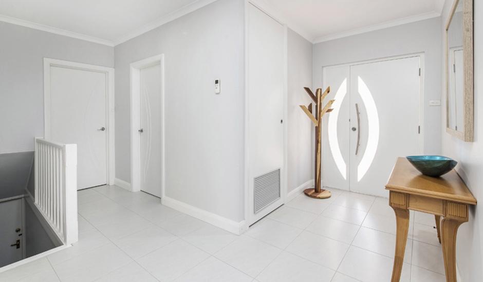 Deakin2 – Other – Entrance_940