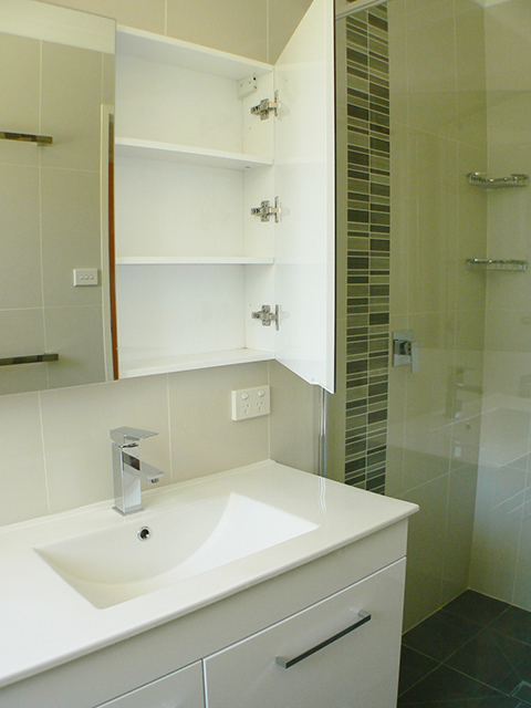 Gowrie-Bathroom2_640
