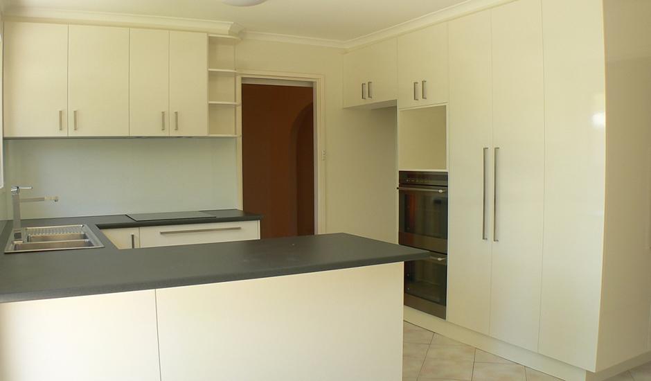 Gowrie-Kitchen_3_940