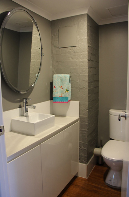 Kingston – Bathroom 1_420x640